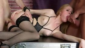 Watch unbelievable threesome with salacious blondie